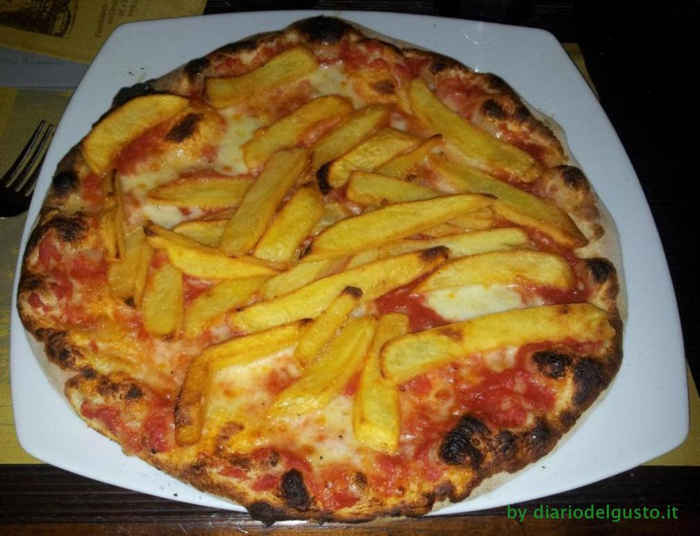 Foto Al Grottino Margherita con patate fritte